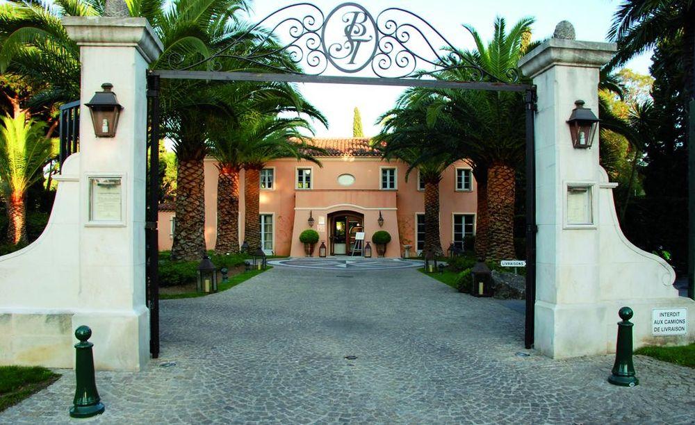 Entrée-portail-hotel1
