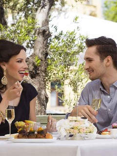 Esplanade-Zagreb-Hotel-Sunday-Lunch-in-Zinfandels-240x320