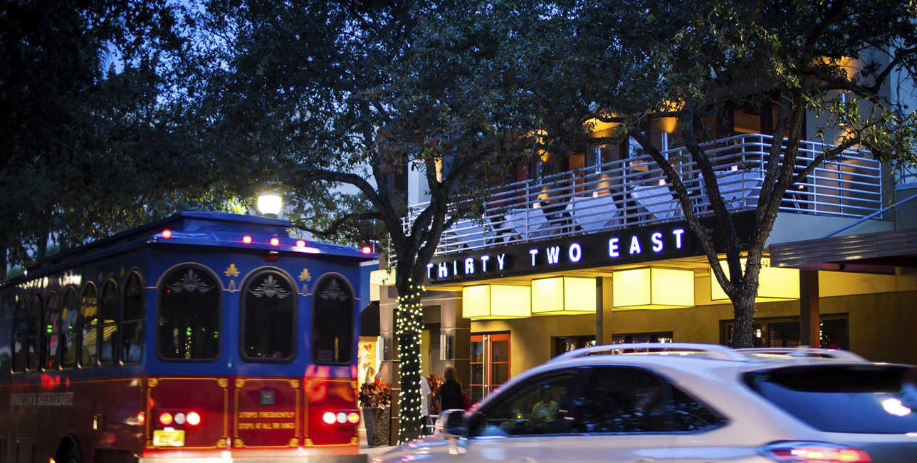 32 East On Delray S Trendy Atlantic Avenue A South Florida Mecca For Foos Stands Out Among The Crowd Celebrating 18 Years Sits Site Of