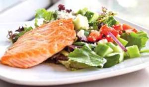Signature+Salad+with+Salmon